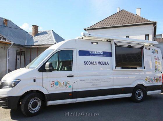 Prima școală mobilă din România
