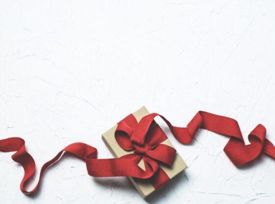 """Cutia cu Bucurie"" de la Crucea Roșie"